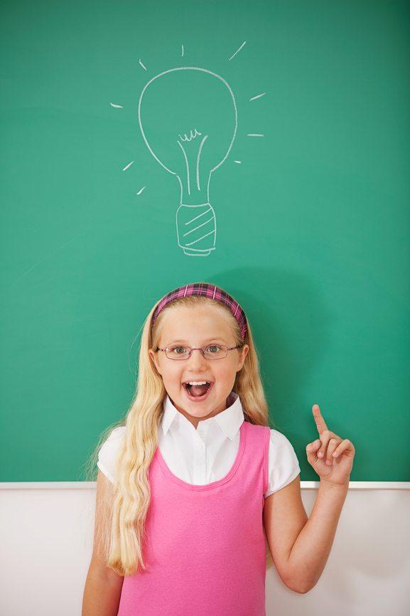 Classroom: Cute Girl Has an Idea