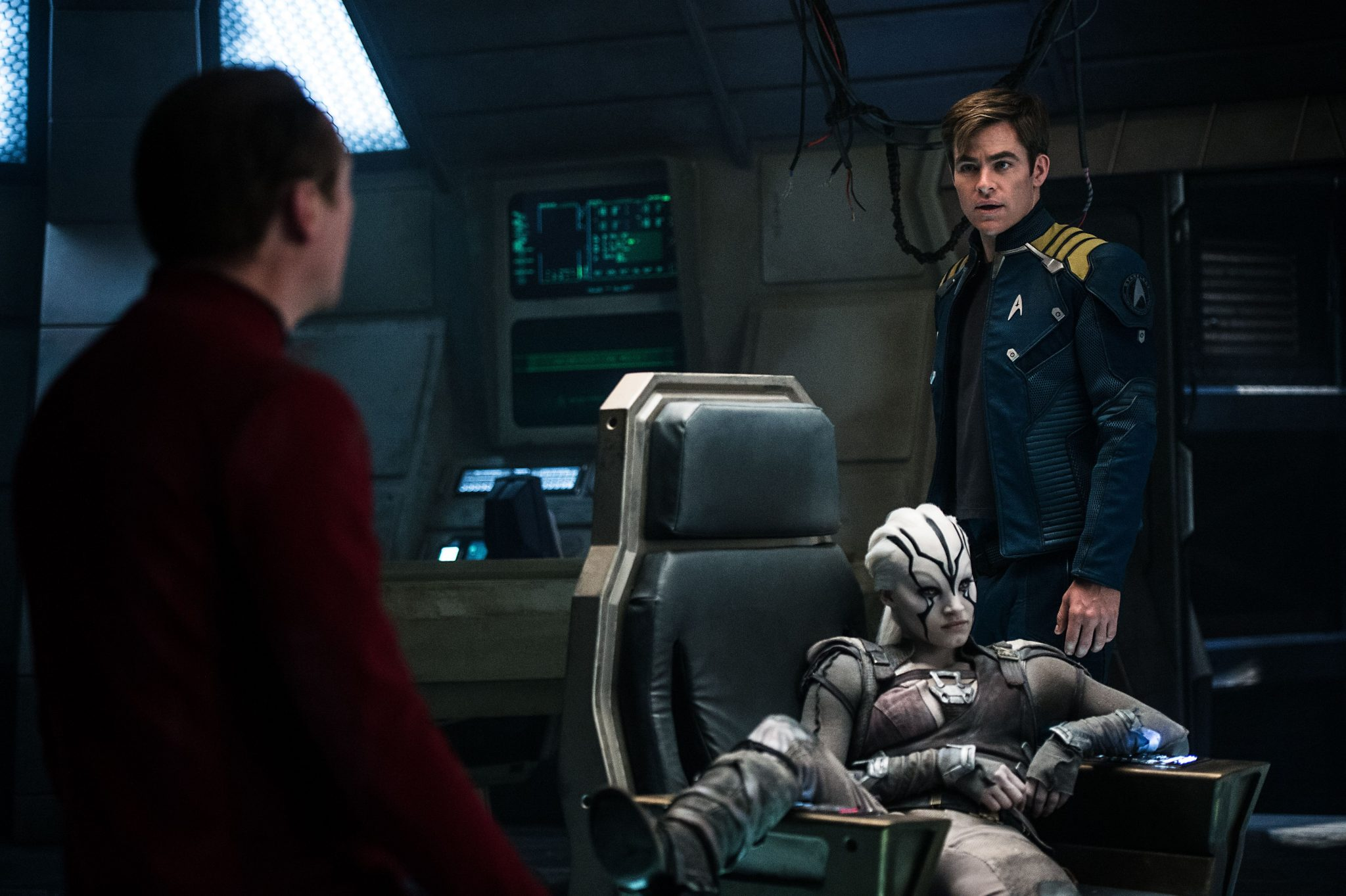 Review: 'Star Trek: Beyond' Is Short on Ideas, Big on Silly Action